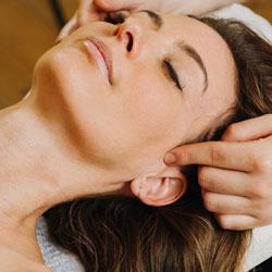 Gesichts/Kopf-Massage